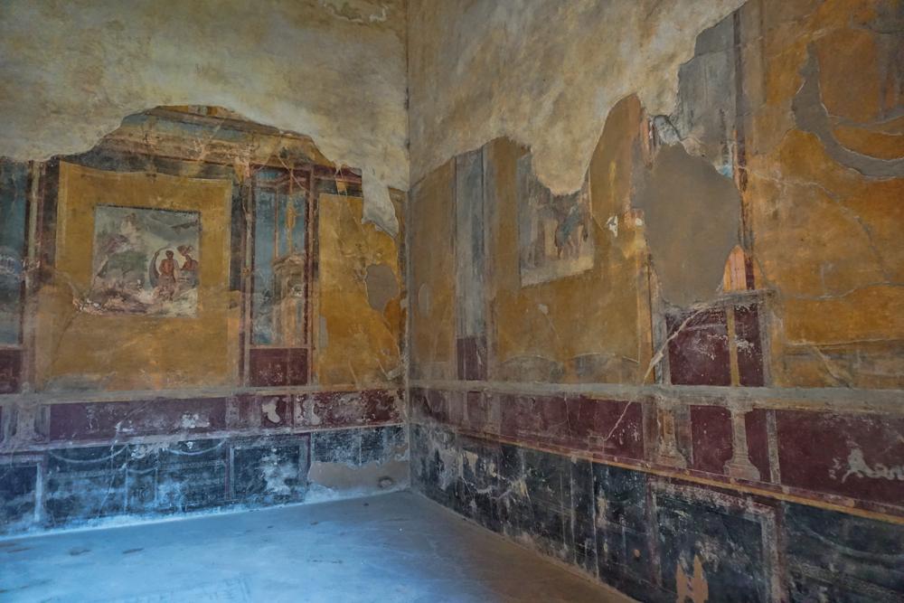 Pompeii Room in House